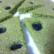 粉末青汁とレーズンの薄焼き米粉ケーキ
