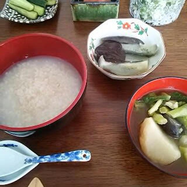 朝粥に和のおかず……茄子のとろ煮