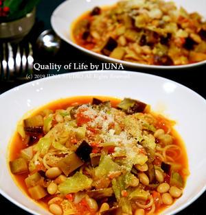 娘と2人晩ご飯は野菜たっぷりトマトスープパスタ