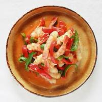 モランボン「ナムルの素」で海老とピーマンの炒めもの。