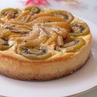 キウィたっぷり♪♪『キウィのフルブラのチーズケーキ』☆キウィを飾るのは、少し焼いたあとで♪♪