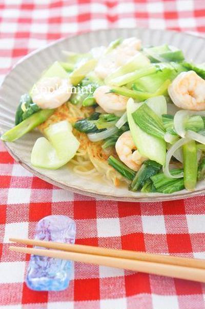 青梗菜と海老の塩あんかけ焼きそば
