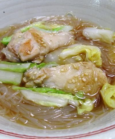 鶏手羽元と春雨のオイスターソース煮