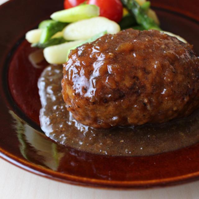 玉ねぎソース煮込みハンバーグ