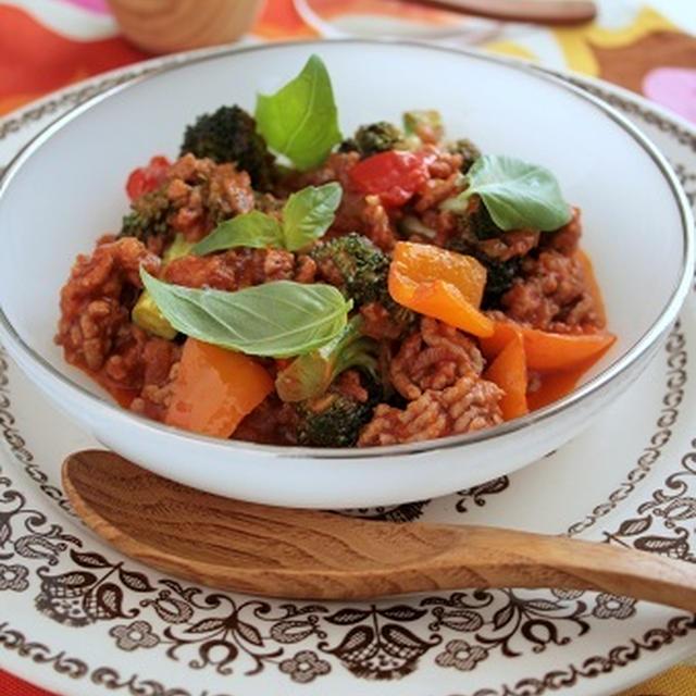 トマト煮込みなトルコ料理、今日は109°F。そして四角パン