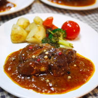 豚ロースかたまり肉のトマトワイン煮