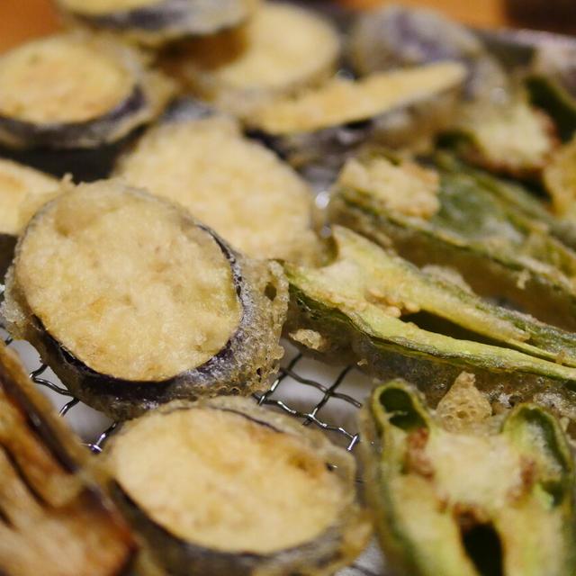 【レシピ】お家で十割そばと、天ぷら。ピーマン、なす、鶏むねの揚げ方と、冷めた天ぷらをカリカリにして食べる方法