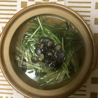 〆は細麺か雑炊で しじみと水菜鍋