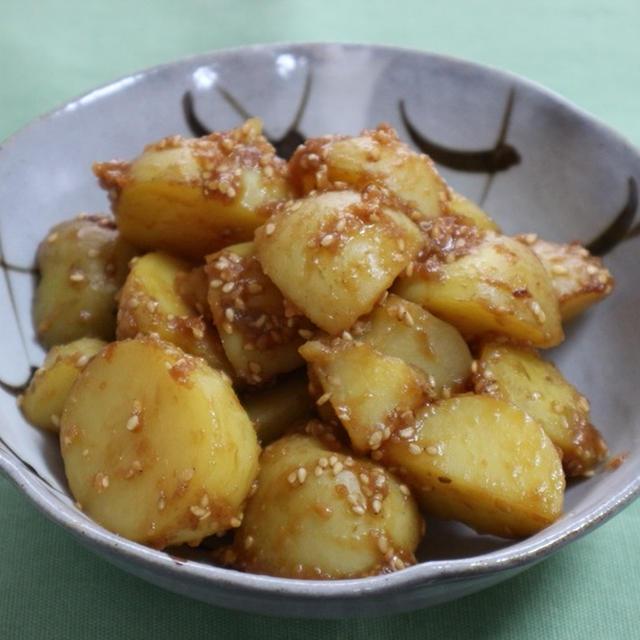 ひとくちジャガイモの味噌炒め
