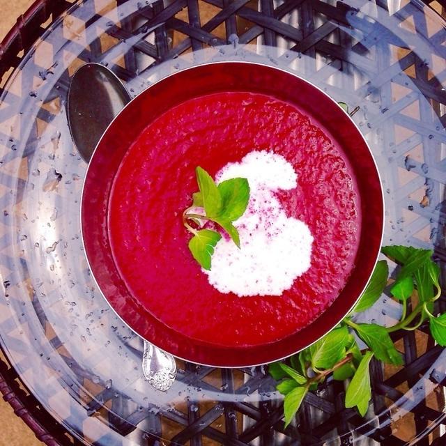 ビーツとメロンの 夏スープ