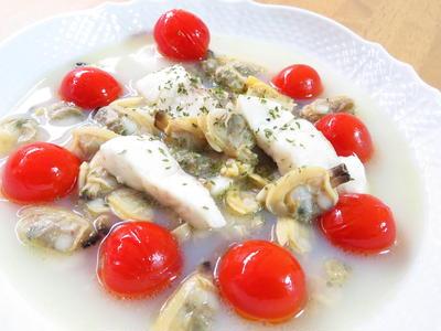 旨味たっぷり☆白身魚のアクアパッツァ