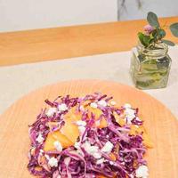 紫キャベツと柿とカッテージチーズのマリネ