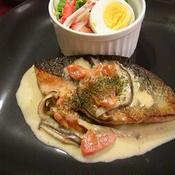 GABAN味付け塩コショウスモーク風味で鮭のムニエルきのこクリームソース