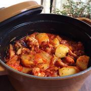 ピリ辛味にハマる!ご飯が進むキムチの煮物