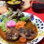 圧力鍋で簡単本格的!牛すね肉のワイン煮込み