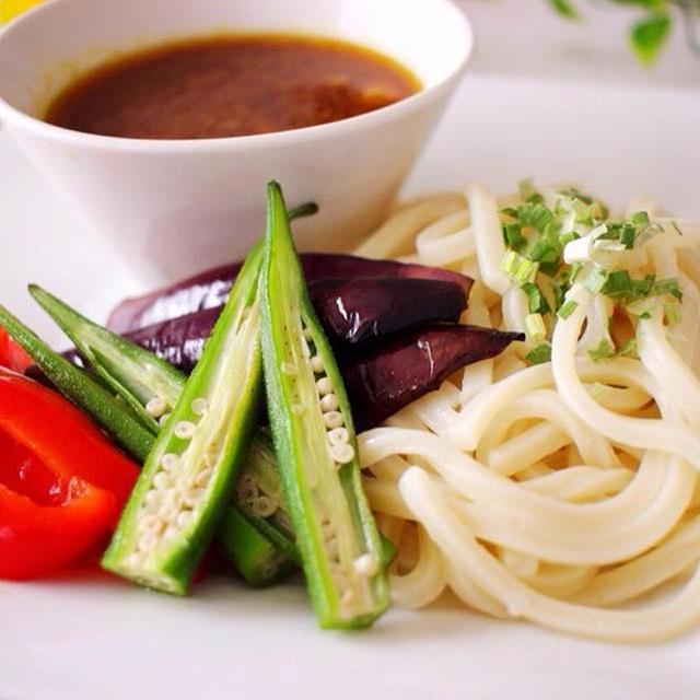 冷凍うどんで簡単♪ピリ辛カレーつけうどん&魚焼きグリルで簡単♪夏野菜のグリル