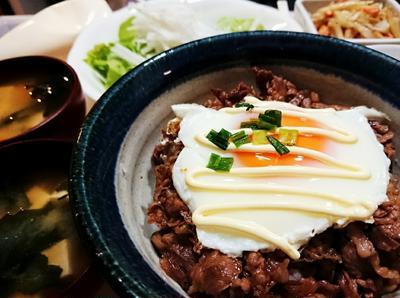 【Recipe】ドラさん大満足♥️焼き肉目玉マヨ丼