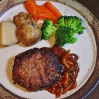 ハンバーグと温野菜と冷野菜