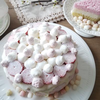 イチゴミルクデコレーションケーキ