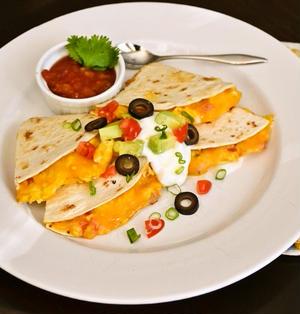 ブレックファスト ケサディア Breakfast Quesadillas