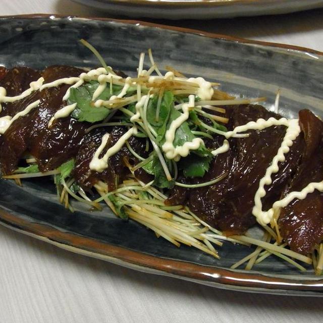 漬けまぐろとたっぷりみつばのサラダ風・里芋と肉団子のころころ甘辛煮