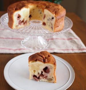 クリームチーズ&発酵バターの香り♪ ベリーとくるみのパウンドケーキ。