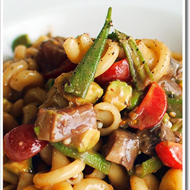 鰹のたたきとアボカド、おくらのバルサミコ風味の冷製ヴェスヴィオ