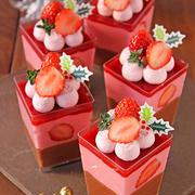 ごろっと苺のベリーチョコムース☆ベリークリーム乗せ