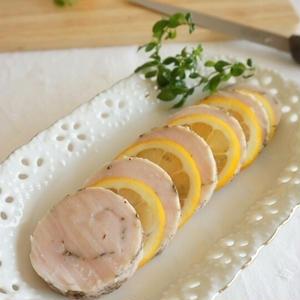 しっとり柔らか!作り置きにおすすめ「鶏ハム」レシピ