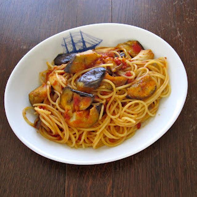 ナスとトマトのベジ・パスタ