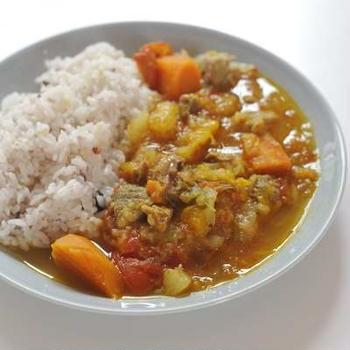 摘果マンゴーと豚肉のカレー