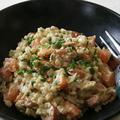 麦飯とソーセージのサラダ