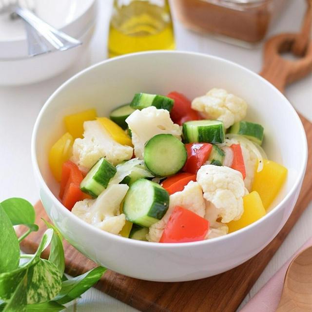 【おもてなし】カリフラワーとパプリカの彩りマリネ♡ビタミンと酢で疲労回復効果!ダイエット中にも♪