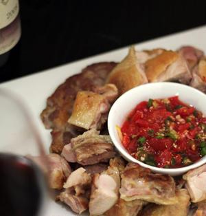 今年最後のフキノトウでサルサ作ってひたすら肉を食べる