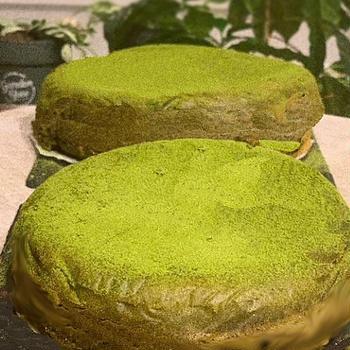 お土産にほろ苦抹茶のスフレチーズケーキです ♪♪