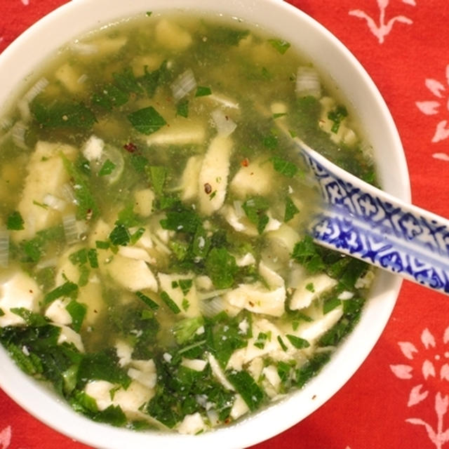 くずし豆腐のモロヘイヤスープ