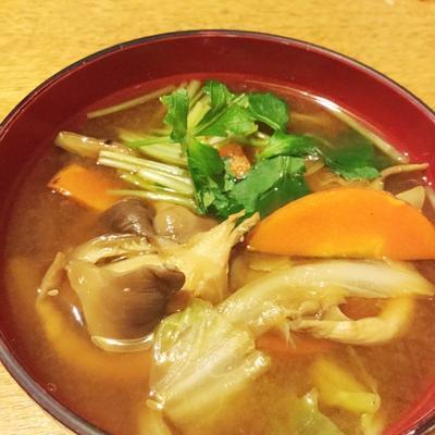 ヒラタケのお味噌汁 〜味噌ラーメン風⁉︎☆
