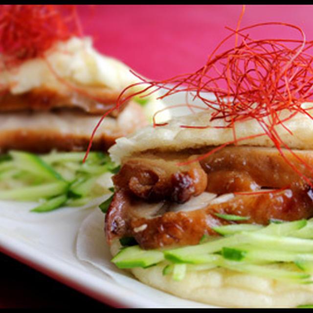 鶏の照り焼きで花巻サンドと丼。