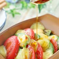 トースターで簡単1品!トマトとアボカドの焼きカプレーゼ風