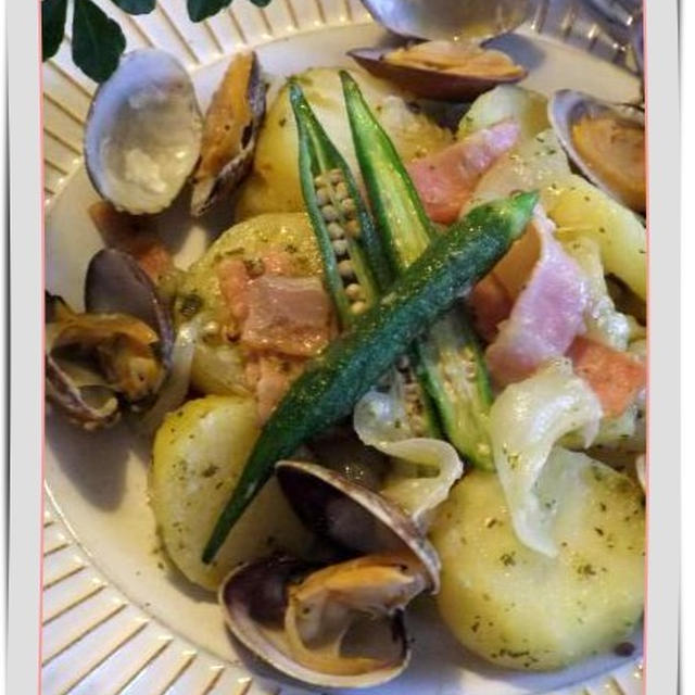 アサリ&おジャガのイタリアン蒸し♪・・・ じゃが芋のフォカッチャと一緒に♪♪