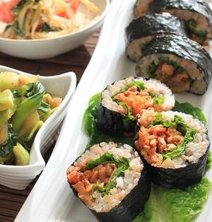 キムチと豚肉の韓国風海苔巻き。
