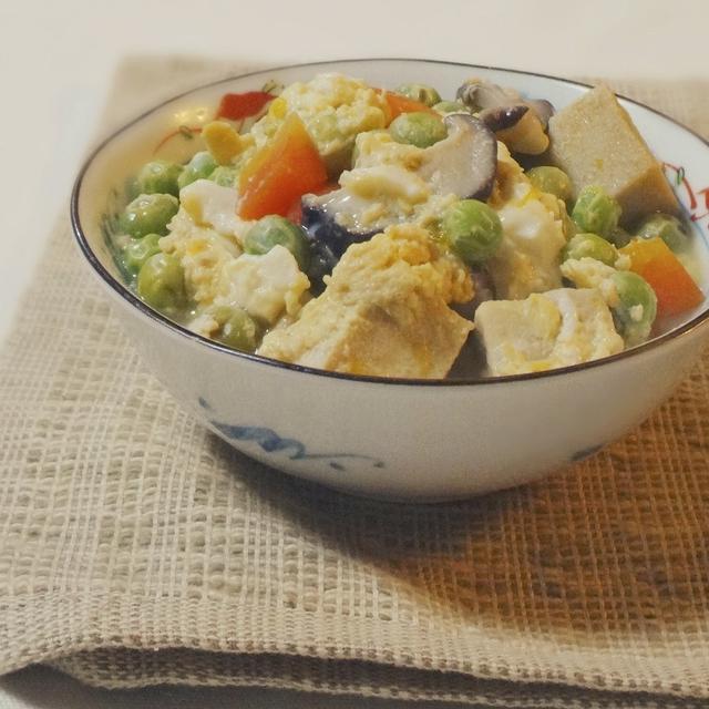 高野豆腐の卵とじ肉豆腐」