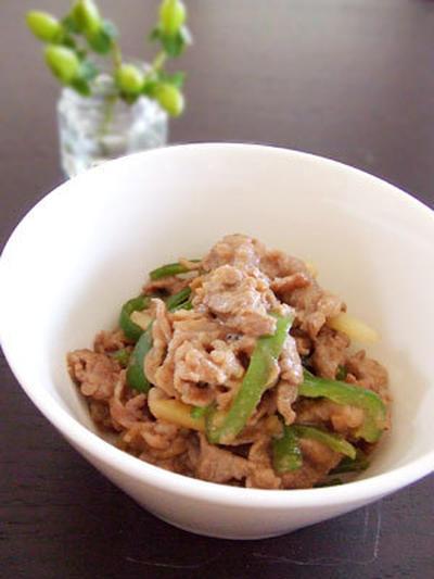 牛肉とピーマンの炒め物