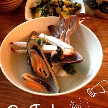タイの海鮮辛スープ。