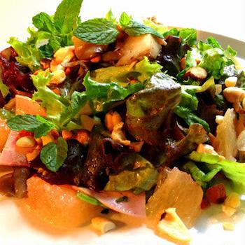 古代豚のビアシンケンとピンクグレープフルーツのメリメロサラダ