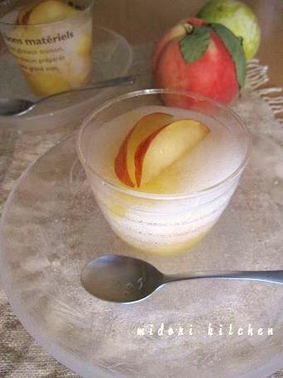 桃とすもものソーダゼリー