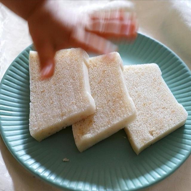 【レンジで簡単】タッパー1つで!オートミール米粉パン