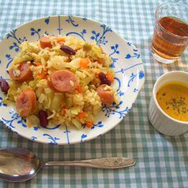 キャベツのピクルスチャーハンとコリアンダーかぼちゃスープ(レシピあり)
