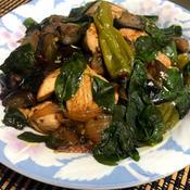 鶏胸肉とナスとシシトウのナンプラーミックス炒め