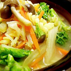 生姜のあったかパスタスープ